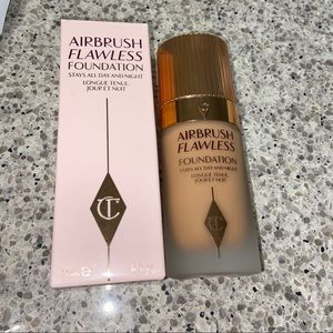 Charlotte Tilbury Airbrush Flawless Foundation 10